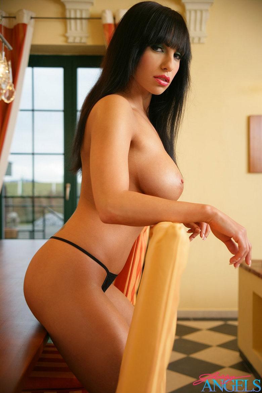 Очень красивая женщина