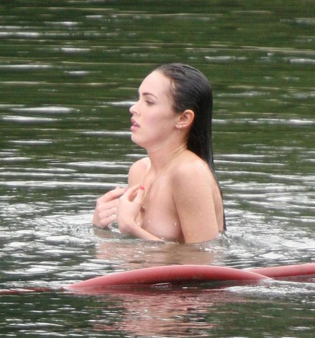 Голая Megan Fox скрытая камера