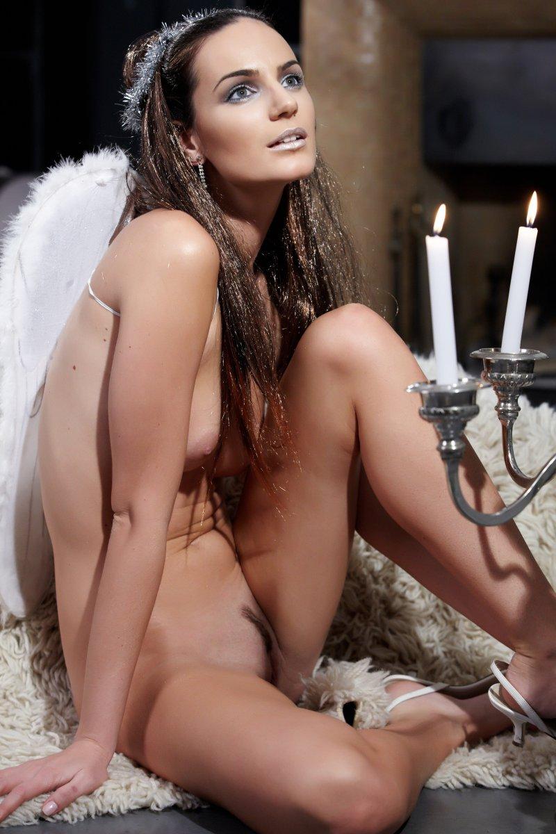 Эротичный ангелочек