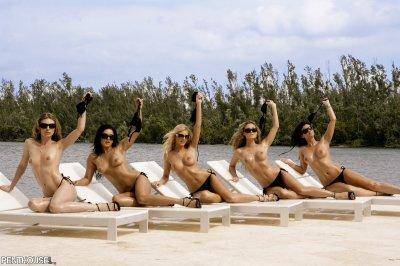 Вечеринка голых девушек